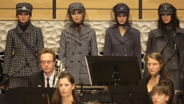 Chanel-Modenschau erobert Hamburg