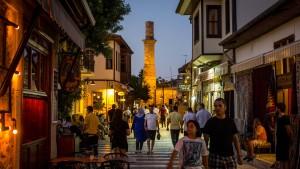 Russen lösen in Antalya deutsche Urlauber ab