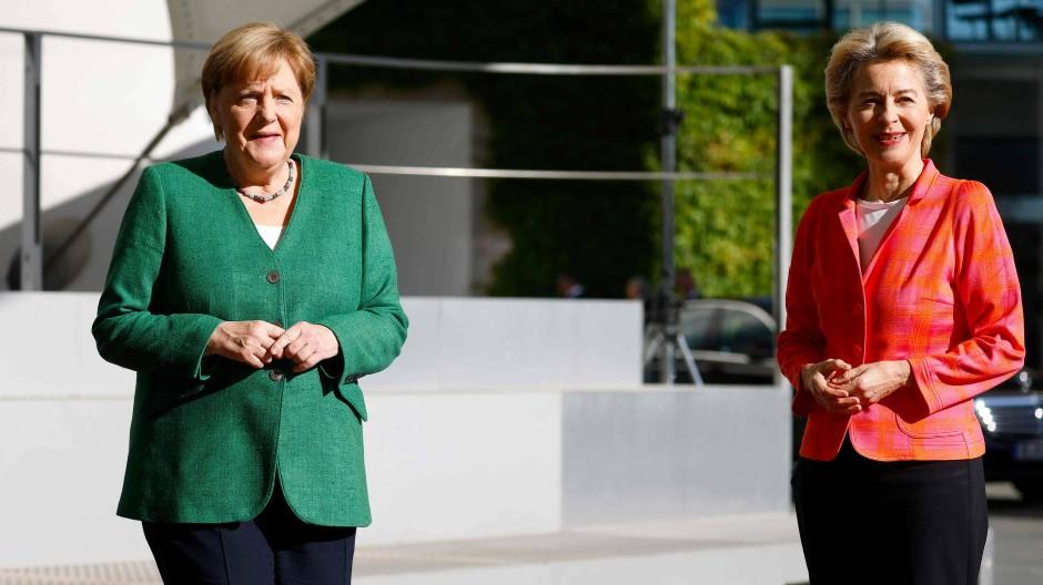 Merkel empfängt von der Leyen