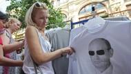 Putin-Shirts sind Verkaufsschlager in Moskau