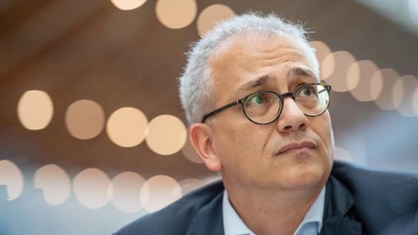 Al-Wazir fordert Zusammenarbeit von Mittelzentren