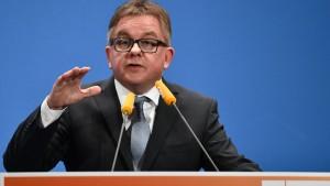 CDU verliert in Umfrage dramatisch