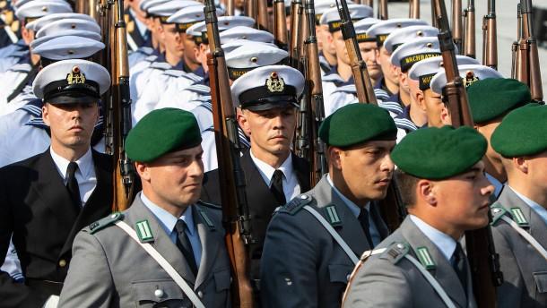 Deutsche Unternehmen werben gezielt um Soldaten
