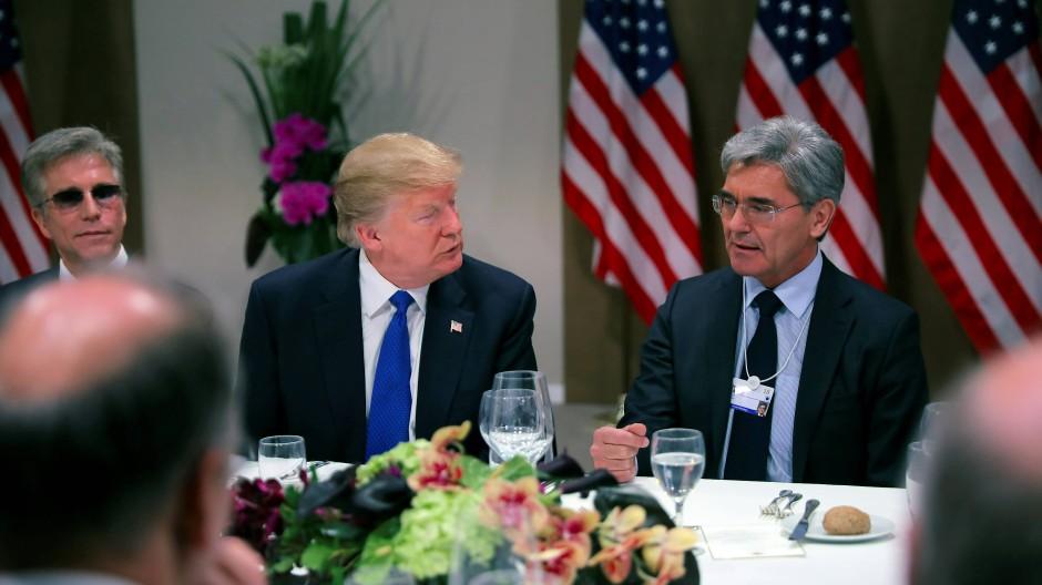 Deutsche Unternehmen wie Siemens erhoffen sich nach der Ära Trump vor allem mehr Verlässlichkeit im Weißen Haus.