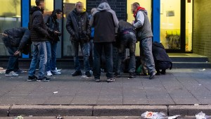 """Kritik an """"Repression"""" im Frankfurter Bahnhofsviertel"""