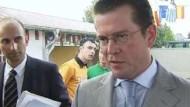 Guttenberg: Nicht nervös werden
