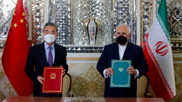 Iran und China schließen Abkommen über strategische Zusammenarbeit