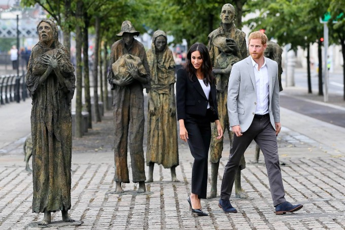 So rebelliert Meghan Markle gegen den Dresscode der Royals
