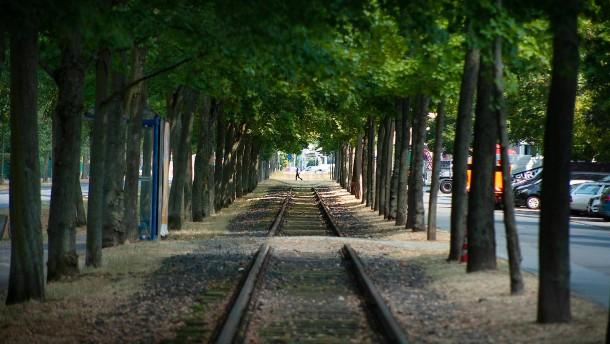 Al-Wazir hat neue Pläne für alte Gleise