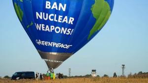 Heißluftballon-Protest gegen Atomwaffen in Rheinland-Pfalz