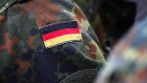 Sollen die Deutschen zum Dienst verpflichtet werden?
