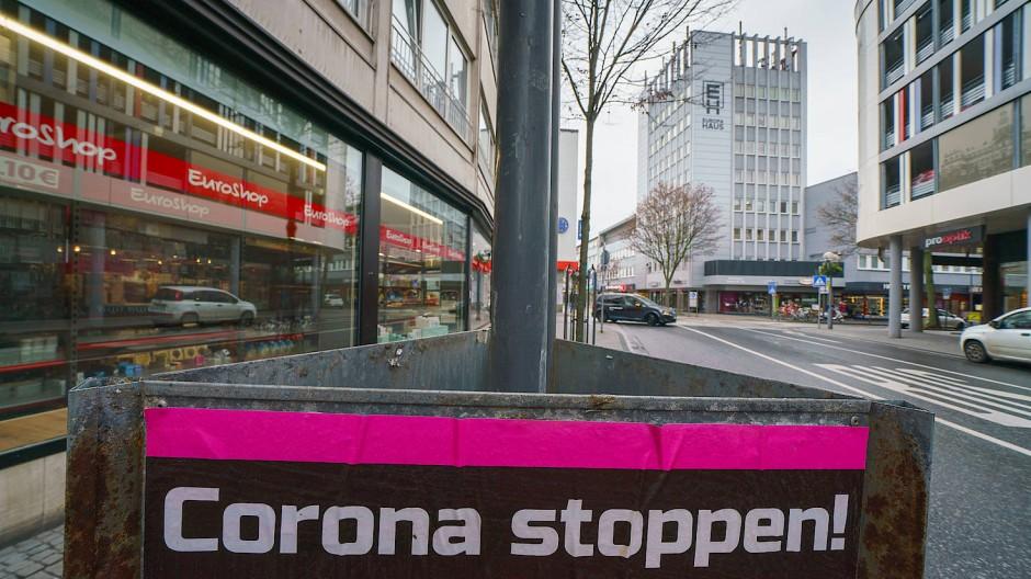 Das Motto dieser Tage nicht nur in Hanau, wo dieses Foto entstand.