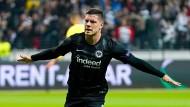 Sehnsucht nach einem Torjäger: Die Eintracht würde Jovic mit offenen Armen empfangen.
