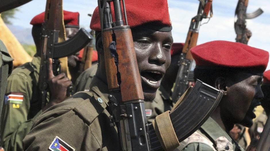 Sudanesischen Regierungstruppen wird vorgeworfen, Dörfer zu zerstören und Massaker an der Zivilbevölkerung zu begehen (Archiv).