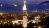 Im Amerikanischen Berkeley haben Wissenschaftler einen extrem kleinen elektrischen Schalter entwickelt.