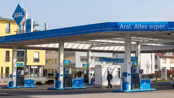 Tankstellenräuber bricht abermals bei Tat zusammen