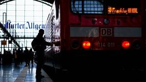 Behinderungen im Bahnverkehr auch am Montag