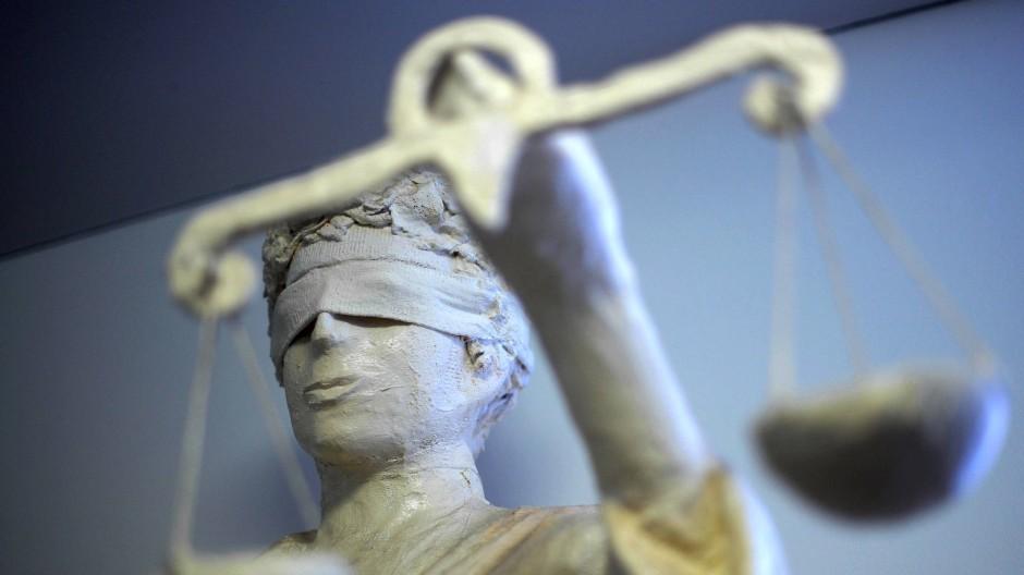 Die Urteilsverkündung im Mordprozess ist bereits am Freitag vorgesehen. (Symbolbild)