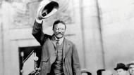 Im Jahr 1906 erhielt der amerikanische Präsident Theodore Roosevelt den Friedensnobelpreis dafür, dass er 1905 den Frieden von Portsmouth zwischen Japan und Russland vermittelte.