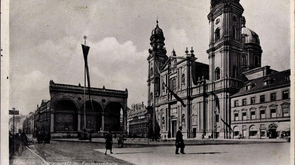 Mit der Reisegruppe zu Münchens Sehenswürdigkeiten: In den 1930er Jahren entdecken immer mehr amerikanische Touristen Bayern.