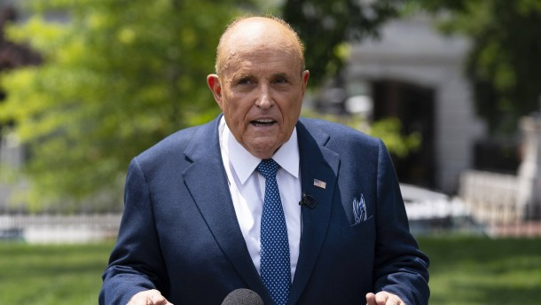 Ermittler durchsuchen Wohnsitz von Rudy Giuliani