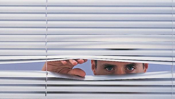 Darf mein Chef mich zu Hause überwachen?