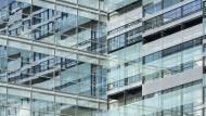 Ein vermietetes Bürogebäude in bester Lage ist immer schwerer zu erwerben.