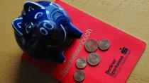 Die Bank kann dann das Sparbuch sperren und ein neues ausstellen. Doch das kostet meist ordentlich.