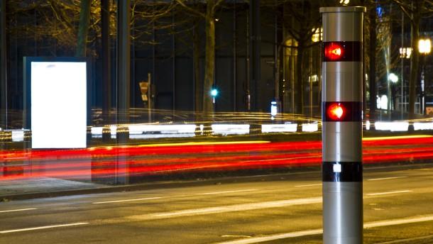 Wer zu schnell fährt, soll deutlich mehr zahlen