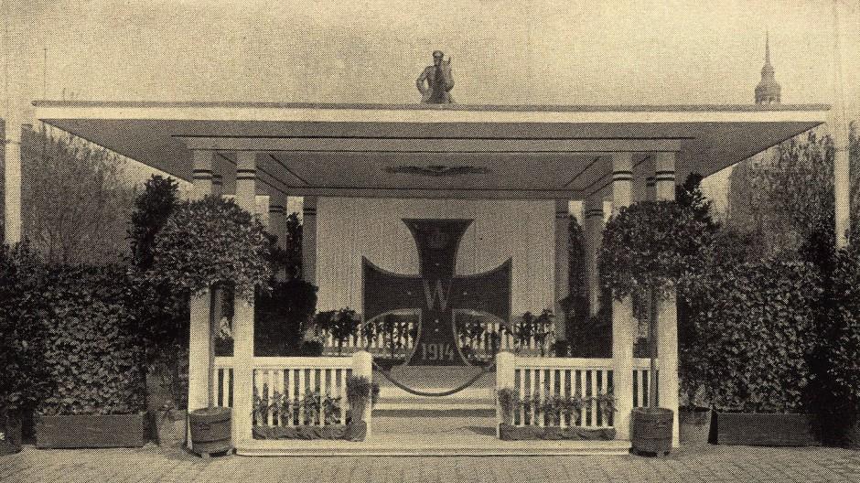 Denkmal der Kriegsfürsorge in Darmstadt: Das gemeinsame Gedenken an Kriegstote war bei den internationalen Studentenwettkämpfen 1930 eine bedeutende Geste.