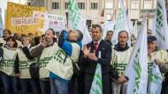 Streikende GDL-Mitglieder am Freitag in Berlin