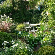 Der Garten wächst in die Zukunft und erinnert durch viele Bezüge an die Vergangenheit.