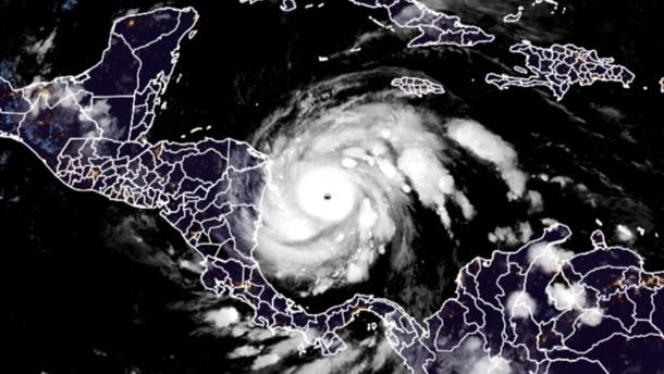 Gefährlicher Hurrikan nähert sich Mittelamerika