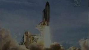 Atlantis auf dem Weg zur Internationalen Raumstation