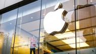 Apple-Aktie im Höhenflug: Das Unternehmen ist über 800 Milliarden Dollar wert.