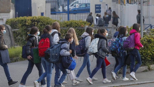 Schüler freuen sich über Corona-Lockerungen