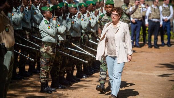 Regierung will deutsche Soldaten in fünf Sahel-Staaten schicken