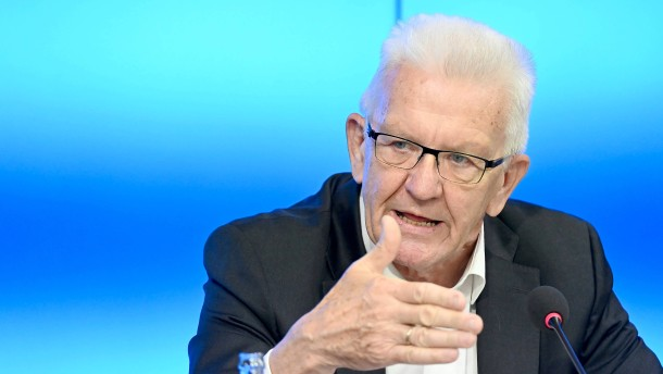 Kretschmann entfacht Debatte über Grundrechte