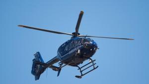 Polizei sucht Autoaufbrecher mit Hubschrauber