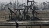 Rasanter Anstieg: Der Ölpreis hat in den vergangenen zehn Tagen rund sechs Dollar je Fass zugelegt.