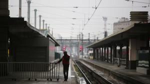 Streiks in Frankreich legen weiterhin Verkehr lahm