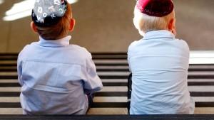 Schulen kämpfen gegen Judenhass