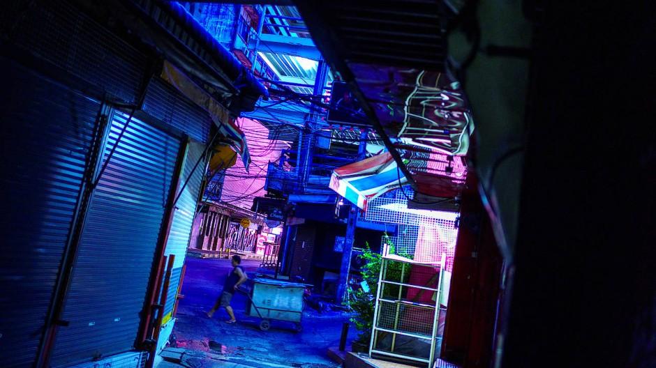 Leere Straßen in Bangkoks Rotlichtviertel Patpong
