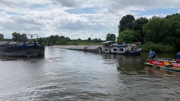 Gesunkenes Schiff legt Verkehr auf der Weser lahm