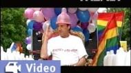 "Video-Kritik: ""Ein Mann sieht rosa"""
