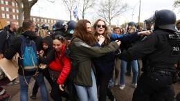 Polizei nimmt 152 Demonstranten fest