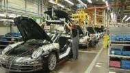 Porsche verkauft sich an VW