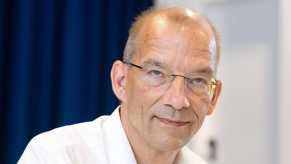 Grünen-Parteisprecher Bastian Bergerhoff ist zuversichtlich, dass die FDP am Mittwochabend dem Koalitionsvertrag doch noch zustimmt.