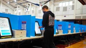 Wahlmaschinenhersteller klagen auf Schadenersatz