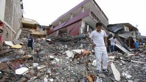 Über 200 Tote bei schwerem Erdbeben in Ecuador